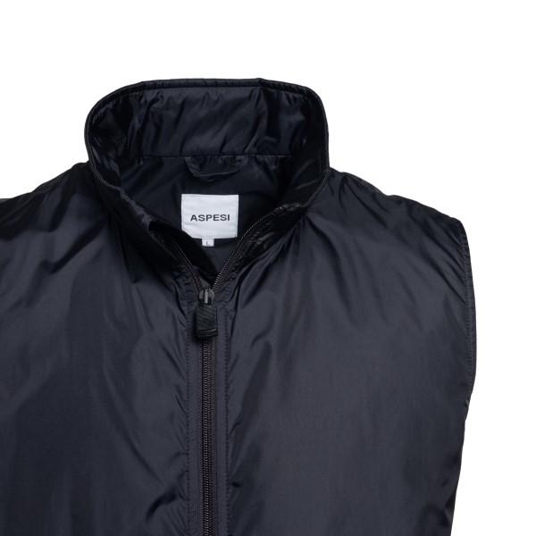 Lightweight black vest with zip                                                                                                                        ASPESI