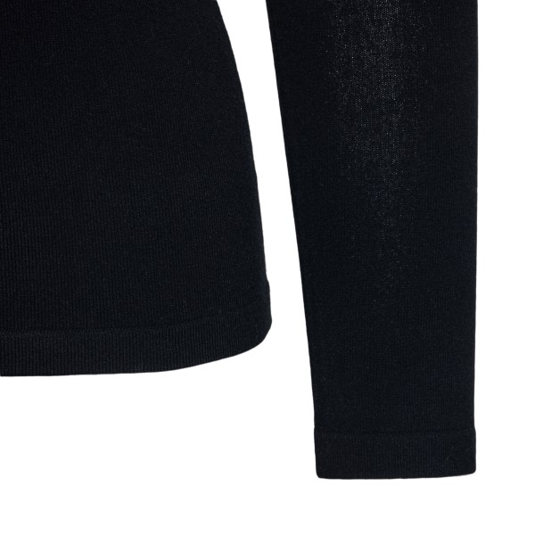 Black top with faux fur                                                                                                                                BLUMARINE