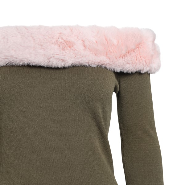 Green sweater with pink fur                                                                                                                            BLUMARINE
