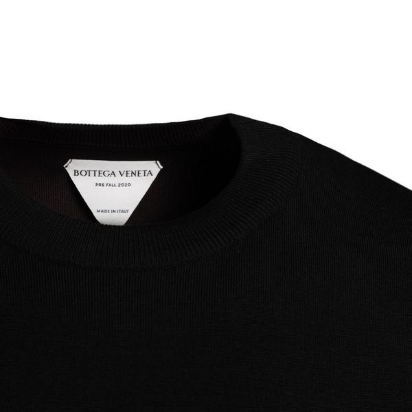Black long-sleeve sweatshirt                                                                                                                           BOTTEGA VENETA