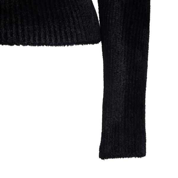Maglione nero con apertura a goccia                                                                                                                    MONCLER 1952                                       MONCLER 1952