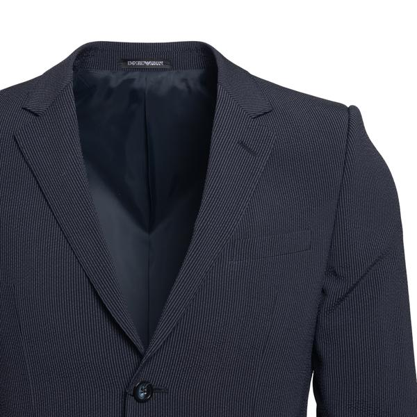 Completo nero con texture a righe                                                                                                                      EMPORIO ARMANI                                     EMPORIO ARMANI