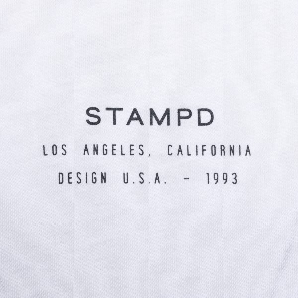T-shirt bianca minimal con logo                                                                                                                        STAMPD                                             STAMPD