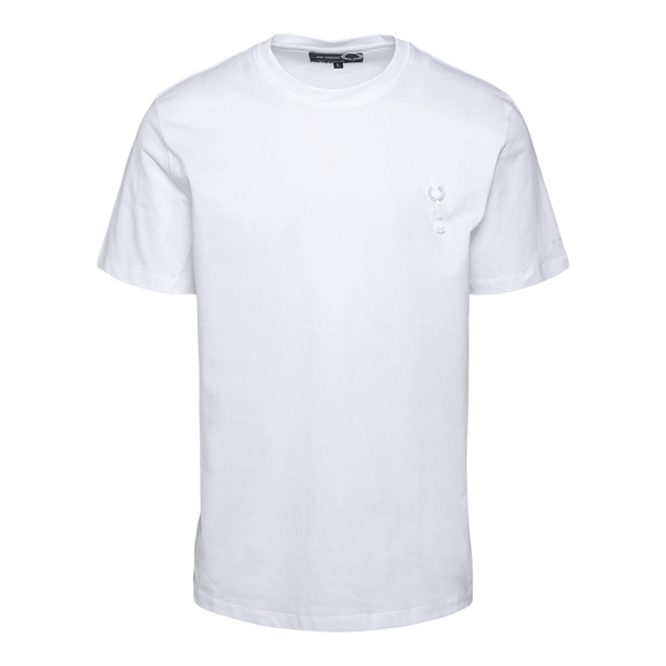 White T-shirt with brooch                                                                                                                             Fred Perry SM1856 back