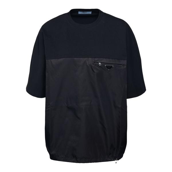 Black T-shirt with zip and logo                                                                                                                       Prada 135697 back