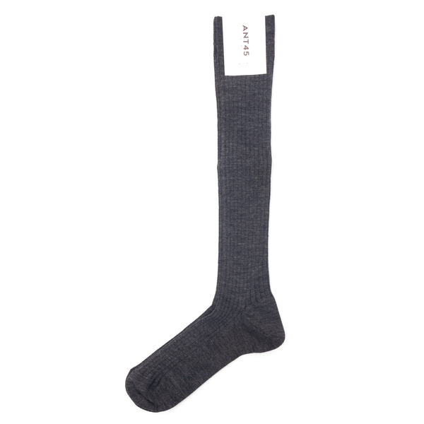 Grey socks                                                                                                                                            Ant 45 21F08L back