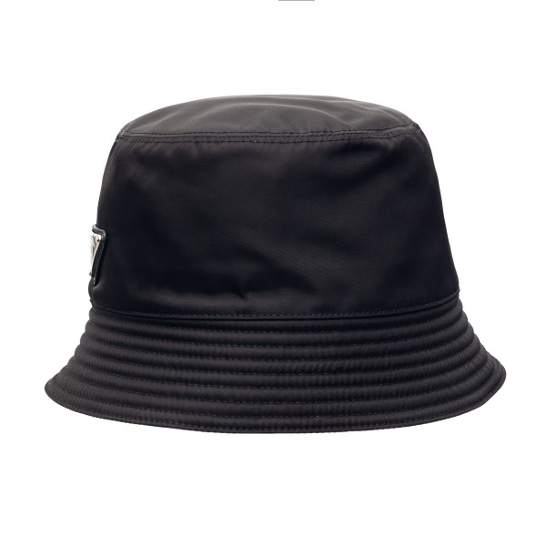 Black bucket hat with logo plaque                                                                                                                     Prada 2HC137 front