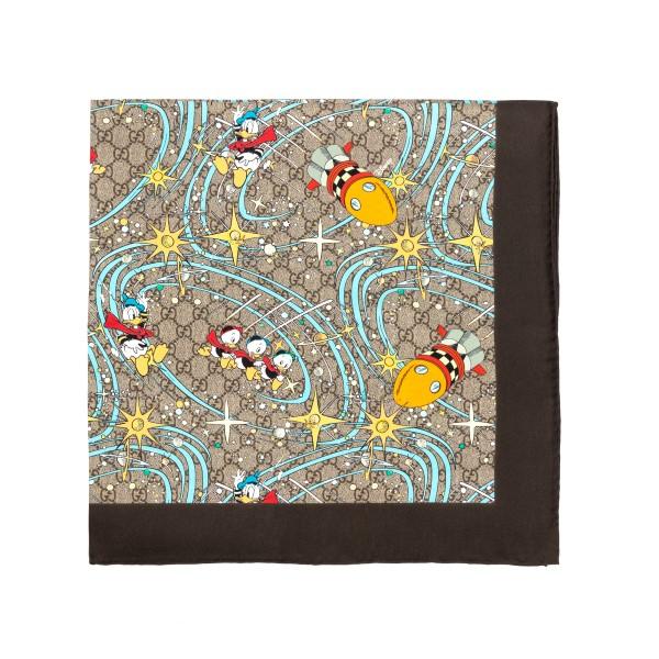 Foulard carré beige con stampa Paperino                                                                                                               Gucci 649635 retro