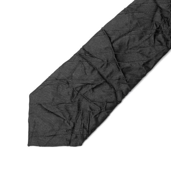 Cravatta nera a effetto stropicciato                                                                                                                   EMPORIO ARMANI                                     EMPORIO ARMANI
