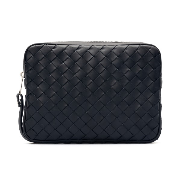 Black clutch in woven leather                                                                                                                         Bottega veneta 651866 front