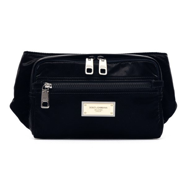 Black belt bag with golden plate                                                                                                                      Dolce&gabbana BM1967 front