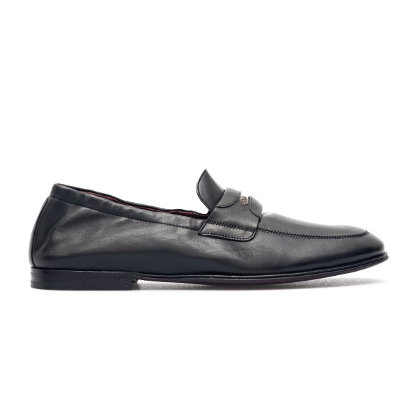 Black loafers with logo plaque                                                                                                                        Dolce&gabbana A50435 back