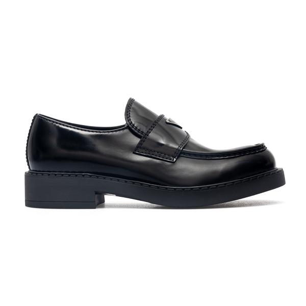 Shiny black loafers with logo                                                                                                                         Prada 2DE127 back