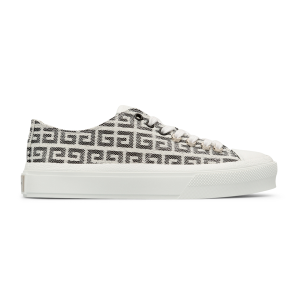 Canvas sneakers with logo pattern                                                                                                                     Givenchy BE001N back