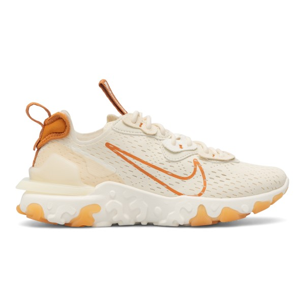 White sneakers with orange details                                                                                                                    Nike CI7523 front