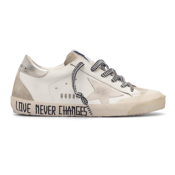 Sneakers bianche con stampa scritta                                                                                                                   Golden Goose GWF00175 retro