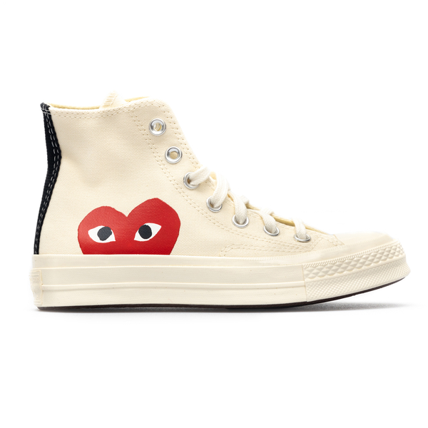 High white sneakers with red heart                                                                                                                    Comme Des Garcons Play P1K112 back