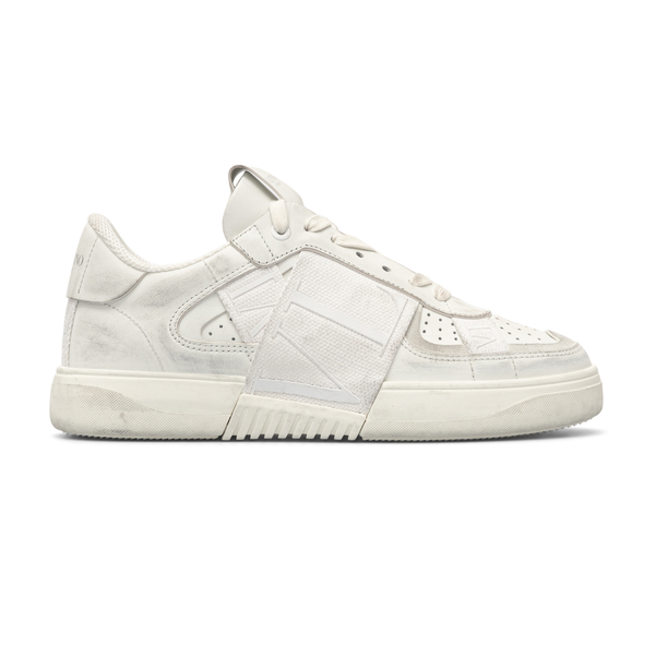 White sneakers with a worn effect                                                                                                                     Valentino Garavani VY0S0C58 back