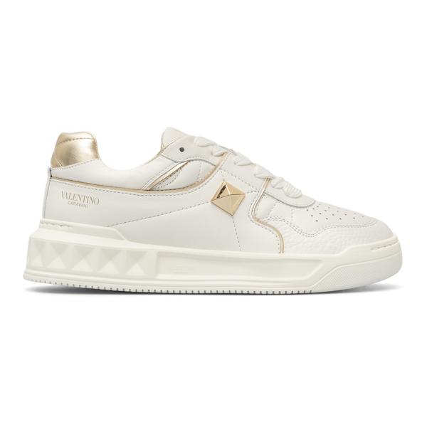 Sneakers bianche con dettagli dorati                                                                                                                  Valentino Garavani WW2S0CS4 retro