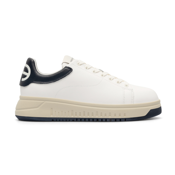White sneakers with logo on the heel                                                                                                                  Emporio Armani X4X264 back