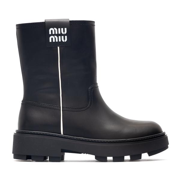 Black ankle boots with logo patch                                                                                                                     Miu Miu                                            5U613D back