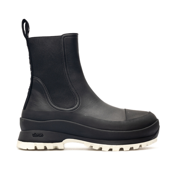 Black ankle boots with brand name on the back                                                                                                         Stella Mccartney 800397 back