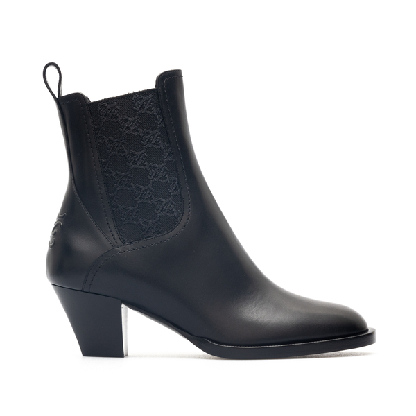 Black ankle boots with logo pattern                                                                                                                   Fendi 8T8174 back
