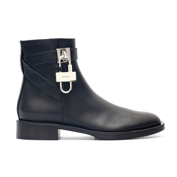 Black ankle boots with padlock                                                                                                                        Givenchy BE602P back