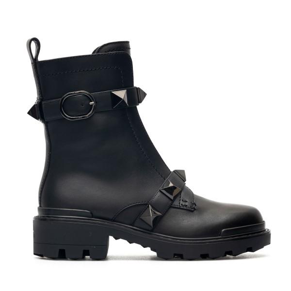 Black ankle boots with matching studs                                                                                                                 Valentino Garavani WW2S0CJ3 back