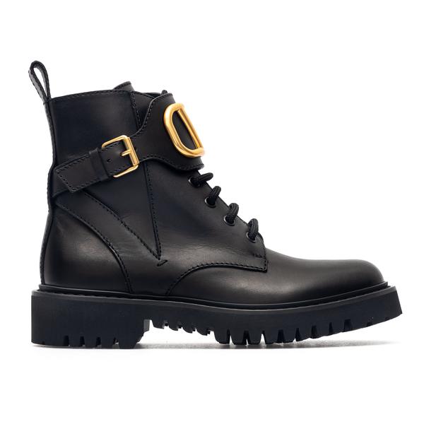 Black ankle boots with golden V logo                                                                                                                  Valentino Garavani WW2S0Q03 back