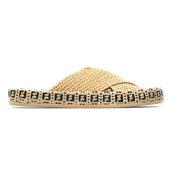 Woven straw slippers with logo                                                                                                                        Fendi 8X8085 back