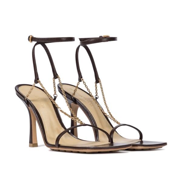 Brown sandals with gold chain                                                                                                                          BOTTEGA VENETA