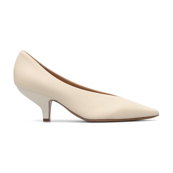 Cream décolleté with low heel                                                                                                                         Maison Margiela S58WL0207 back