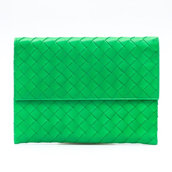 Pouch verde intrecciata                                                                                                                               Bottega Veneta 667138 retro