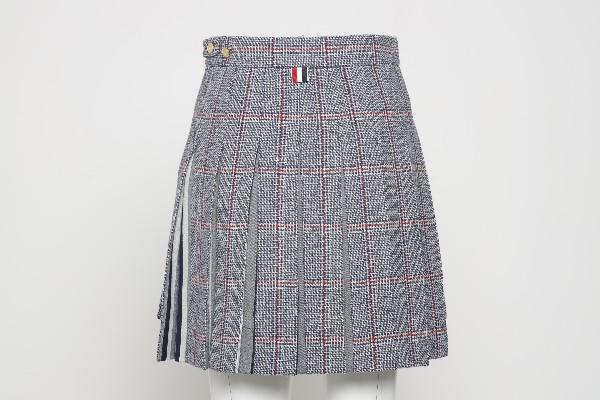 Pleated mini skirt                                                                                                                                     THOM BROWNE